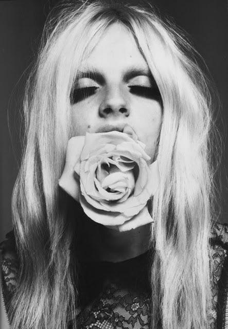 andrej-pejic-beautiful-blonde-boy-flower-Favim