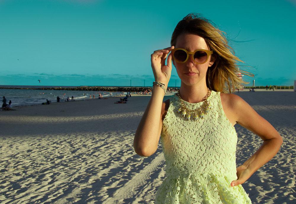 sunglass_miami_beach_yellow_vest