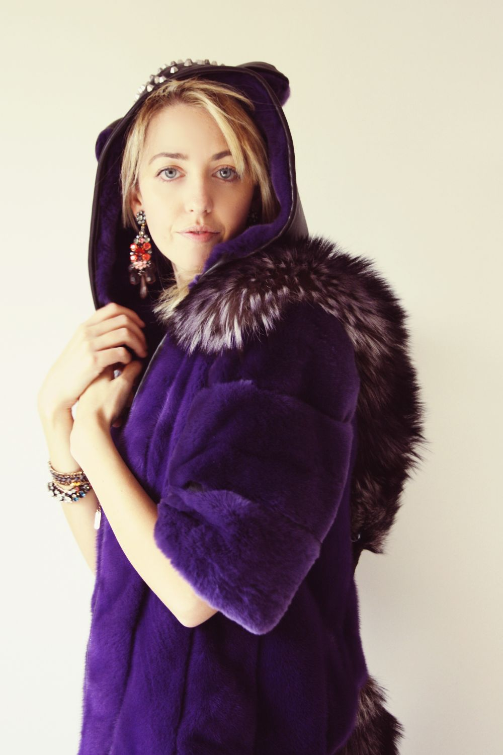 fur_coat_lady_fur