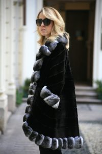 chinchilla_coat_lady_fur
