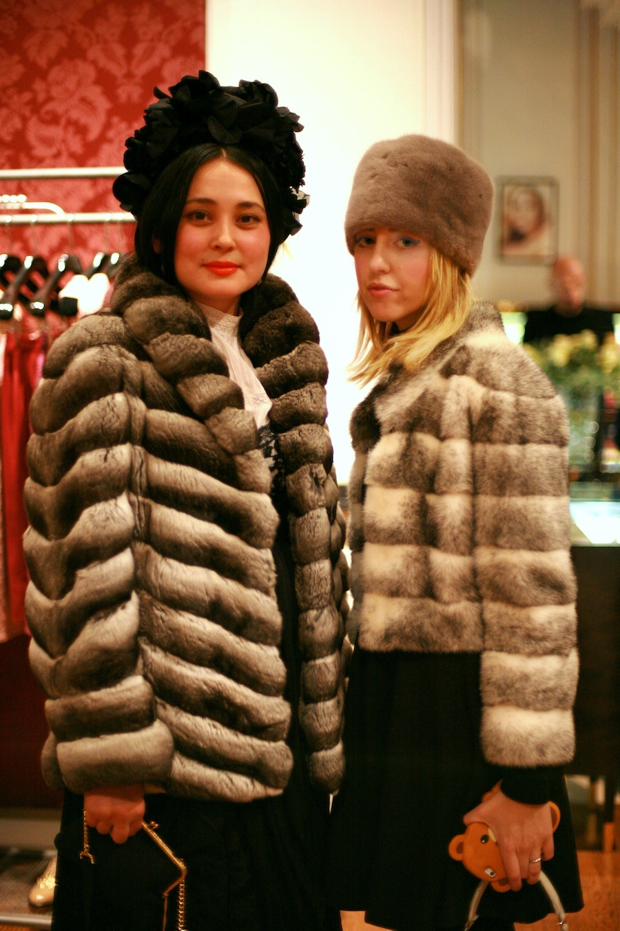 mink_coat_mink_hat_lady_fur_we_love_fur