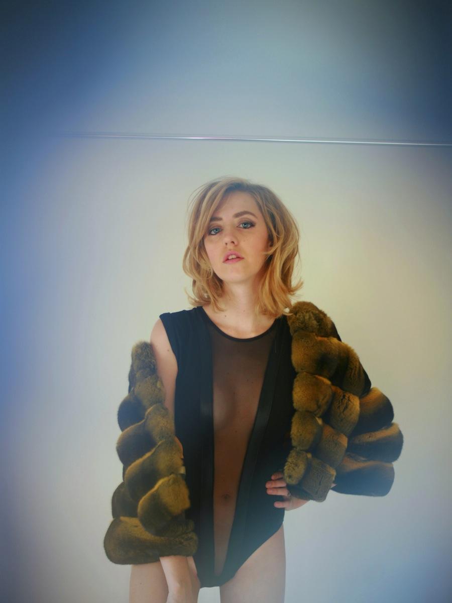 chinchilla_yellow_fur-coat furs