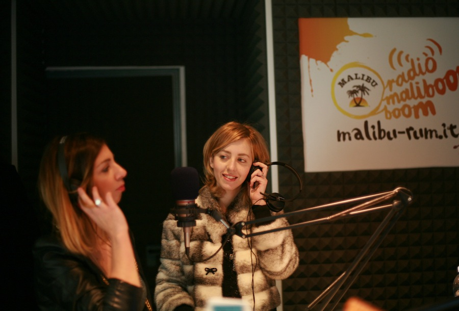 lady_fur_at-radio_malibu