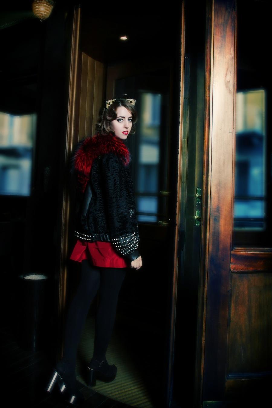 lady_fur_fur_coat