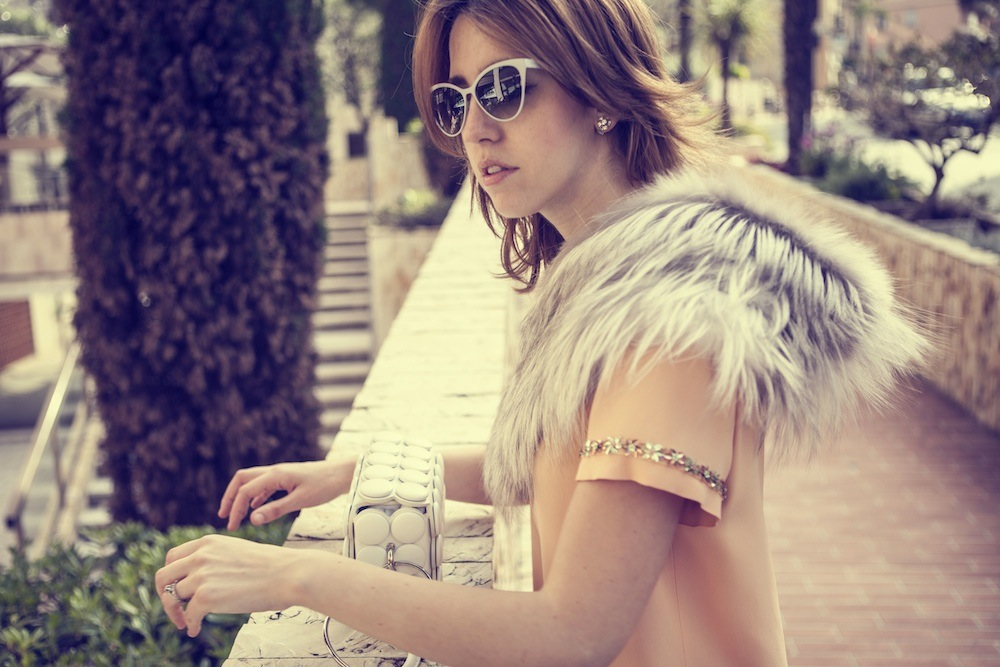 fox_collar_moschino_dress_lady_fur