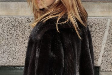 samantha_dereviziis_lady_fur