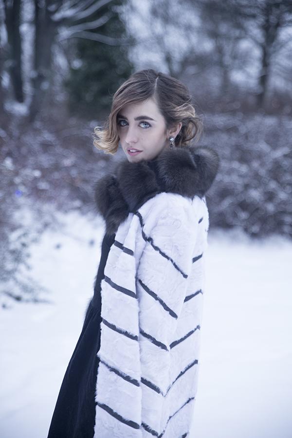 Swakara coat lady_fur_copenhagenfashionweek_carloramello _sablefur_welovefur_ladyfurwearingcarloramellofur