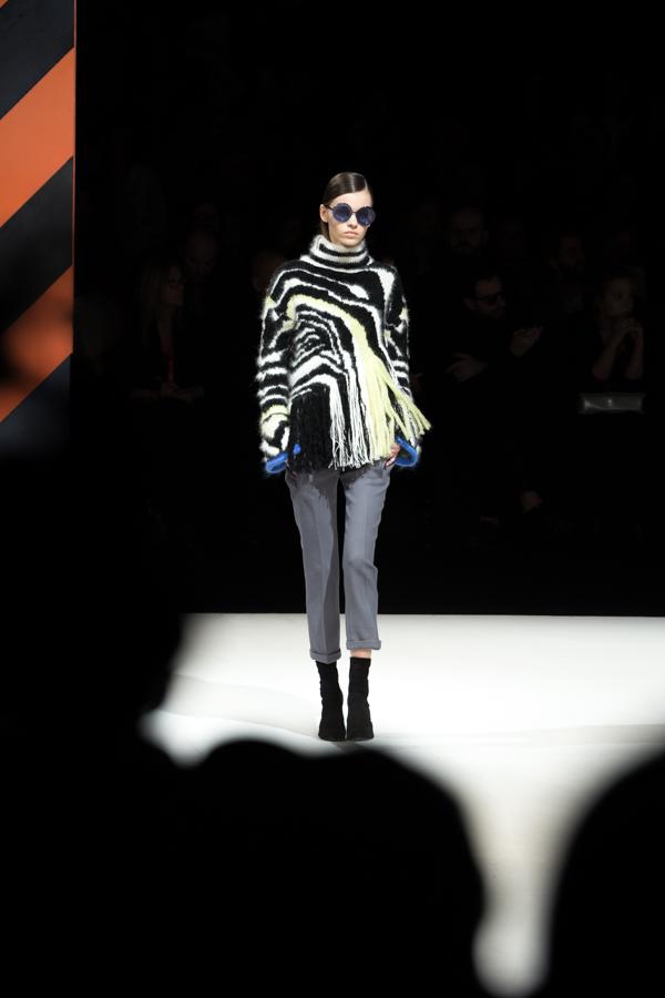 ladyfur_justcavalli_robertocavalli_fashionshow_fallwinter2014_ladyfur_furcoats_backstage_look4