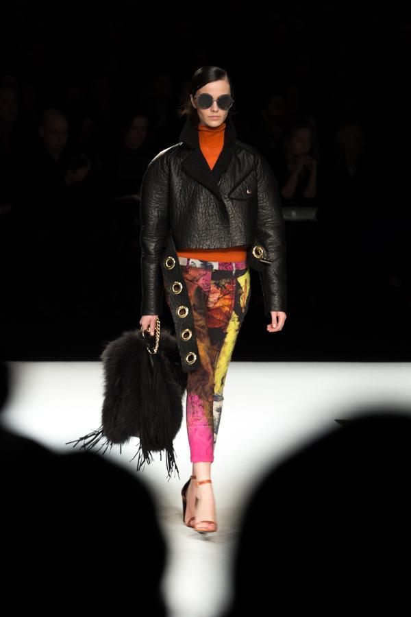 ladyfur_justcavalli_robertocavalli_fashionshow_fallwinter2014_ladyfur_furcoats_backstage_look5
