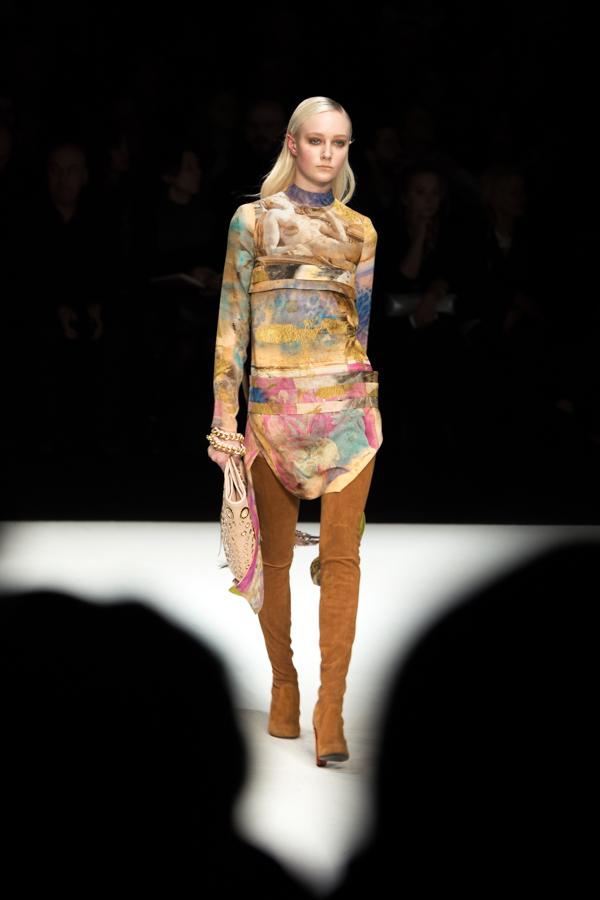 ladyfur_justcavalli_robertocavalli_fashionshow_fallwinter2014_ladyfur_furcoats_backstage_look9