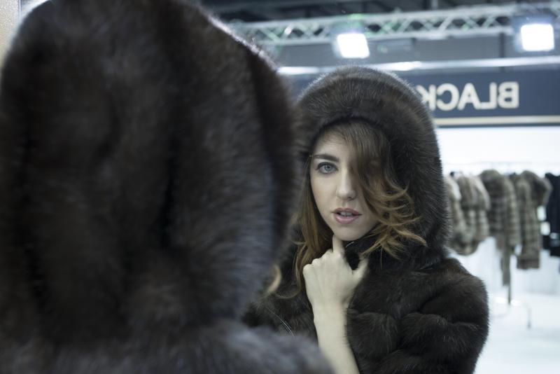 sable_tsoukas_bross_welovefur_lady_fur-kastoria_fur-fair