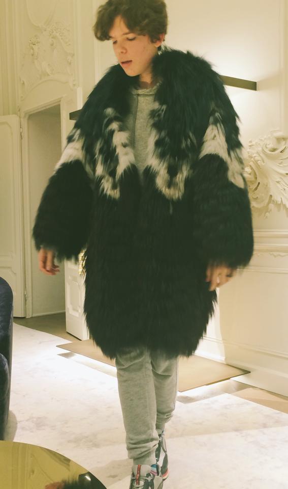 boys_loves_furs