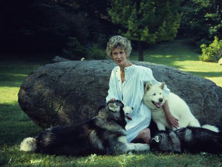 marella agnelli cani giardino