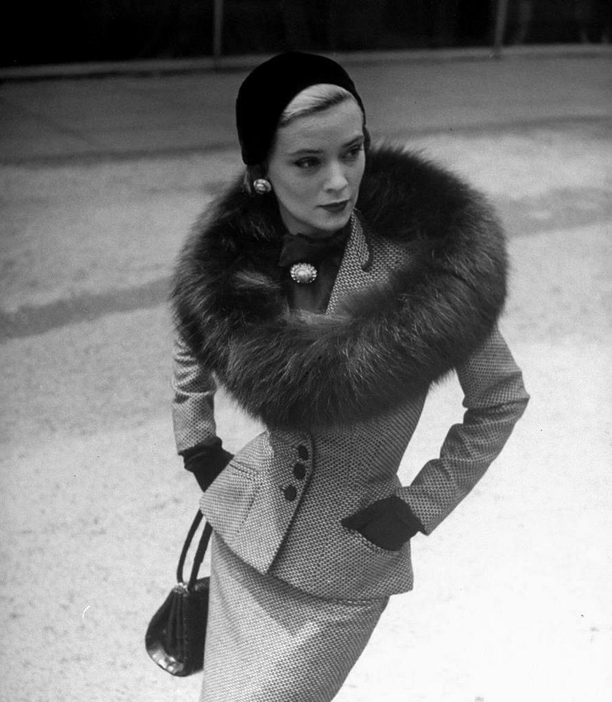 women fur coat neck