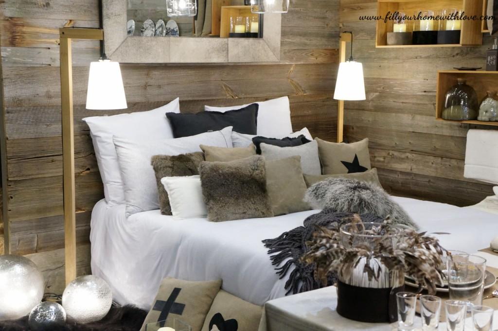 fur pillows luxury home. Black Bedroom Furniture Sets. Home Design Ideas