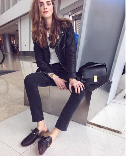 chiara ferragni photo with the slippers