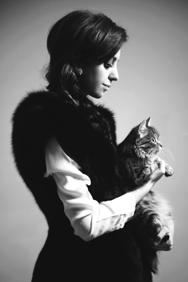 fur vest girl
