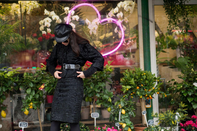 lady fur wearing the fur tailleur at Paris Haute Couture